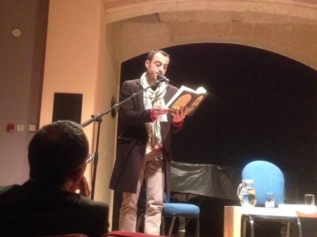 Dr Albert Gatt jaqra silta mir-rumanz magħruf ta' Khalid Khalifa maqlub bl-Ingliż, In Praise of Hatred.